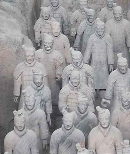 armée-de-soldats-en-terre-cuite-à-Xi-An-chine