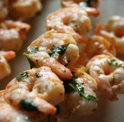 De aperitivo... unos camarones marinados a la parrilla