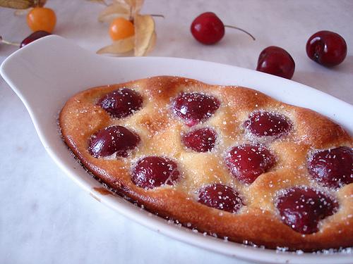 Clafoutis aux cerises epicuria la cuisine au quotidien - La cuisine au quotidien ...
