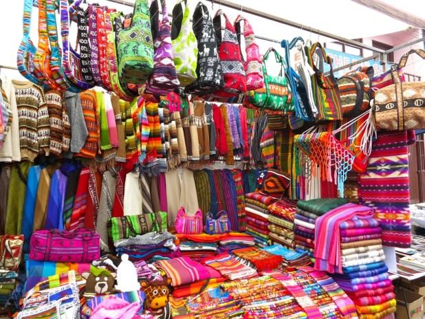 Boutique de vêtements en Alpaga sur le marché d'Otavalo
