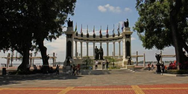 malecon_2000_Guayaquil
