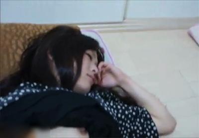 ロリ顔のJDを睡眠薬で昏睡させレイプする個人撮影の激タバなエロ動画のリンク 3枚目