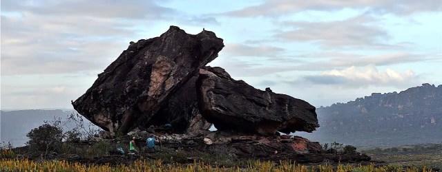 Compartimos un video de escalada en boulder en la cima de uno de los tepuy más emblemático de la Gran Sabana, el Auyantepuy en Venezuela. […]