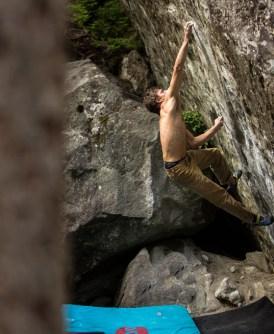 """Video escalada boulder: """"Conjetura"""" en búsqueda del primer V15 de Facundo Langbehn - Foto Carlos Lastra Barros"""