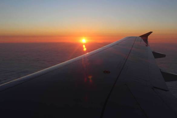 Pôr do sol pelo mundo - Avião sobrevoa Lima, no Peru