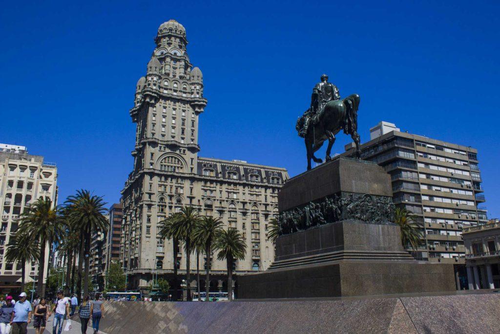 O que fazer em Montevidéu - Praça da Independência