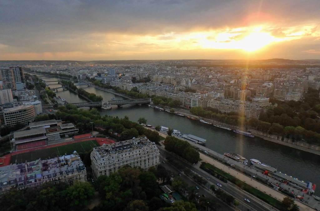 Como visitar a Torre Eiffel - Pôr do sol visto do alto da torre