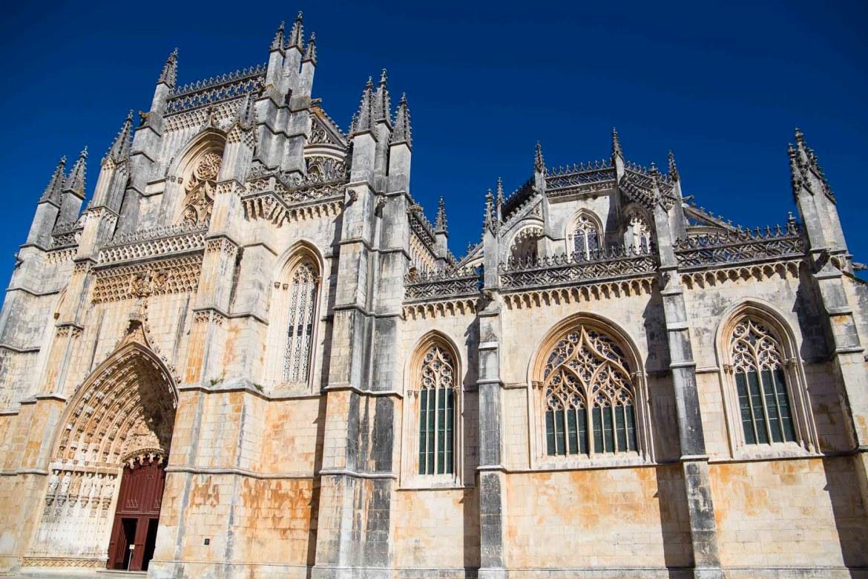 Fachada do Mosteiro da Batalha, em Batalha (Portugal)