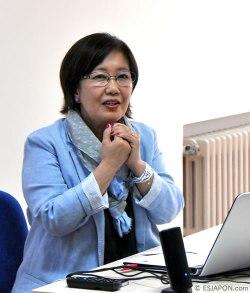 Profesora Yuko Suzuki, la primera presidenta de APJE