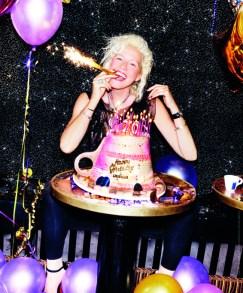 """Dicembre - Ellen von Unwerth, """"Happy Birthday""""   Euforia """"Quello che tutti sanno è che faccio la fotografa. Quello che tutti non sanno è che spesso mi occupo di torte di compleanno, soprattutto quando lavoro per Lavazza. Una volta per i cento anni del marchio, oggi per i venti del calendario. Insomma, qui per festeggiare una scusa si trova sempre. E sicuro che se c'è una festa, io non me la perdo""""   Location: Chez Regine, Paris   Assistenti: Joris Rossi, Yvan Gherman, Jerome Vivet   Stylist: Joanna Schlenzka Hair   Stylist: Ed Moeland   Make-up Artist: Cathyanne McAllister   Modella (copertina e terza di copertina): Valerie van der Graaf"""