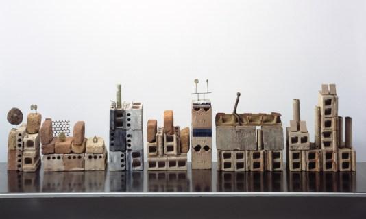 Fausto Melotti, Canalgrande, 1963, terracotta, cm54x210x14, Archivio Melotti, Milano © Archivio Melotti, Milano