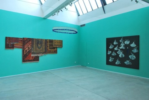 """veduta allestimento """"Aldo Mondino. Milano, Venezia, Calcutta"""", Galleria Giuseppe Pero, Milano"""
