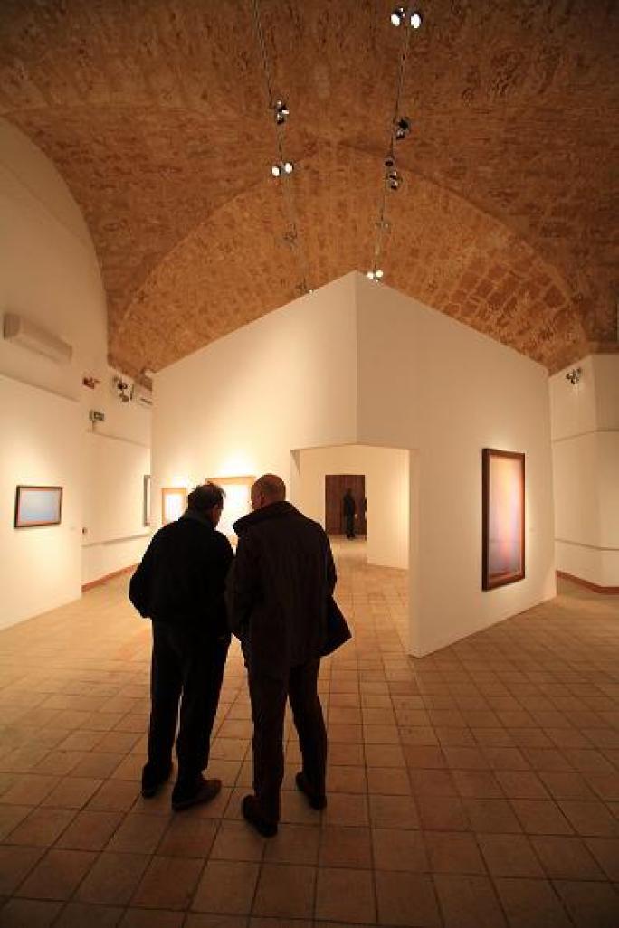 FAM Fabbriche Chiaramontane, allestimento mostra Guccione, il Mediterraneo, a cura di Marco Goldin Foto Pitrone