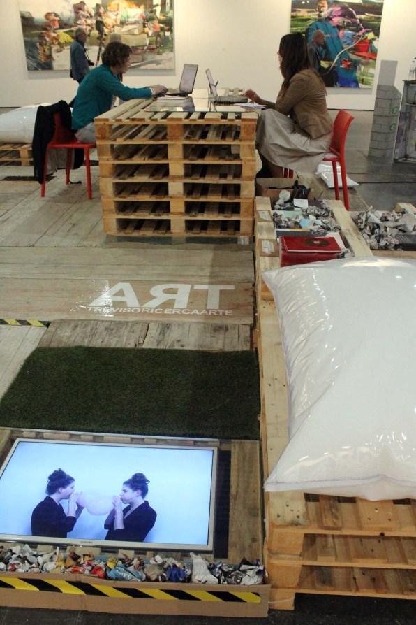 Treviso Ricerca Arte, veduta allestimento ad INDEPENDENTS 5, foto di Rocco Dubbini