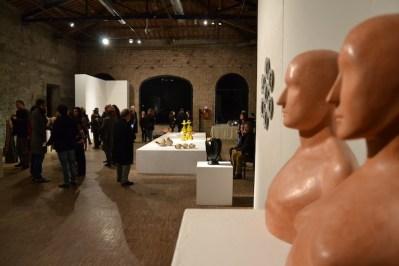 BACC   Biennale d'Arte Ceramica Contemporanea. La Ceramica Altrove. Edizione 2014 veduta degli allestimenti, Scuderie Aldobrandini di Frascati, Roma, in primo piano OLIVIERO RAINALDI