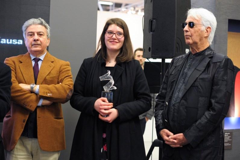 Al centro la vincitrice Alessia Xausa, Premiazione Euromobil, Pad 25, 24/01/2015, Arte Fiera 2015, Bologna