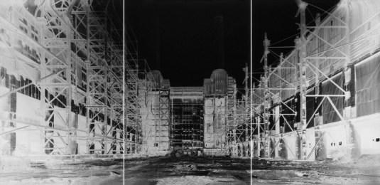 Vera Lutter, Battersea Power Station, II, July 3, 2004, Centrale elettrica di Battersea, II, 3 luglio 2004, unique silver gelatin print, 192x427 cm © Vera Lutter Courtesy of the artist, New York