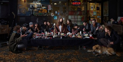© Dina Goldstein, Last Supper, East Vancouver da Gods of Suburbia
