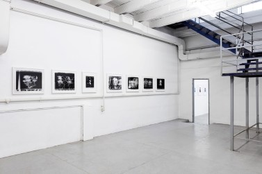 Paolo Gioli, Installation view at Peep-Hole, 2016 Volti attraverso (Faces Across), 1987-2002, photo finish, black and white print Photo ©2016 Andrea Rossetti
