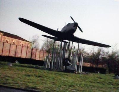 """Franco Vaccari, fermo immagine tratto dal video """"La via Emilia è un aeroporto"""", 2000 Collezione Linea di Confine, Rubiera © Franco Vaccari"""