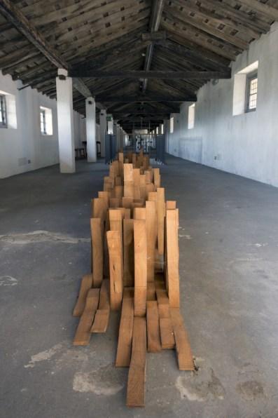In principio è la Terra, veduta della mostra (Federico Guerri Courtesy Galleria L'Affiche, Milano), Forte di Gavi, Gavi (AL) Foto di Enrico Minasso