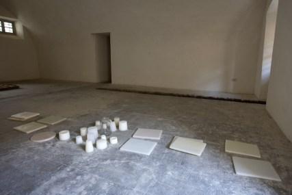 In principio è la Terra, veduta della mostra (Elena Modorati e Cesare Galluzzo), Forte di Gavi, Gavi (AL) Foto di Enrico Minasso