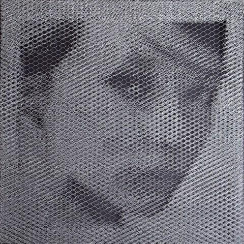 Giorgio Tentolini, MESH, 2016, Rete metallica a maglie esagonali intagliata a mano, cm 94x94