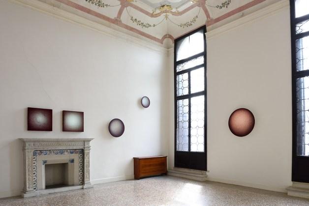 Emil Lukas, veduta installazione a Palazzo Flangini, VeneziaFoto Michele Alberto Sereni. Courtesy Studio la Città, Verona
