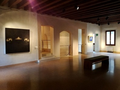 Omar Galliani. Souls – Anime. La seduzione del Disegno Italiano, veduta della mostra, Museo Civico Casa Robegan, Treviso