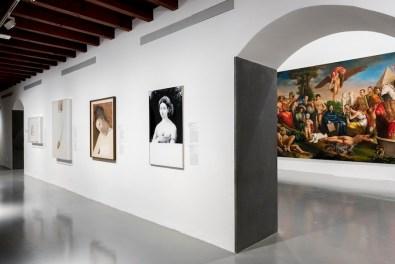 Raffaello e l'eco del mito, veduta della mostra, GAMeC, Bergamo Foto Gianfranco Rota