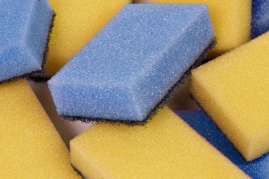 Πως Θα Καθαρίσεις Σωστά το Σφουγγάρι Κουζίνας