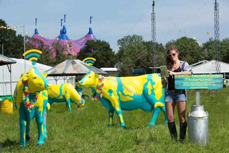 EE Highspeed Herd and Festival-goer1