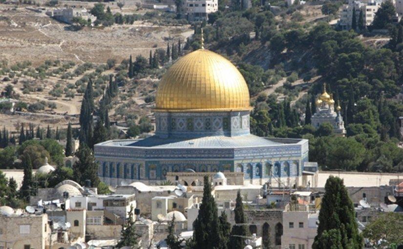Israel Seals Off Al-Aqsa Compound Amid Mounting Tensions