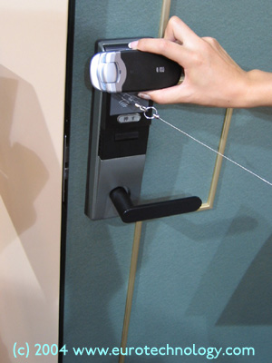 Mobile phone as a RFID key to lock and unlock doors