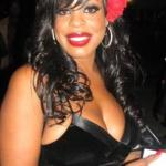 niecy_nash(2010-black-outfit-med)