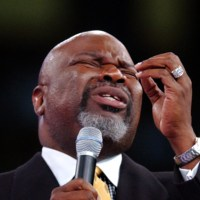 T.D. Jakes Checks Instagram Hater Questioning His Diamond Ring