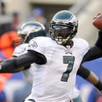michael_vick(2011-throwing-ball-wide-big)