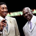 Scottie Pippen (L) and Michael Jordan