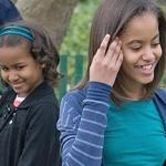 sasha&malia(2011-big-ver-upper)