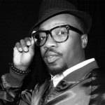 anthony-hamilton-glasses-bw-thumb-473xauto-7091