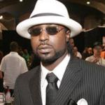young_buck(2012-suit-white-hat-med-ver-upper)