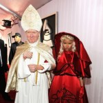 nicki_minaj&pope(2012-at-grammys-big)