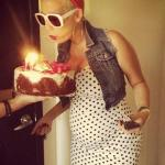 amber rose &amp; b-day cake