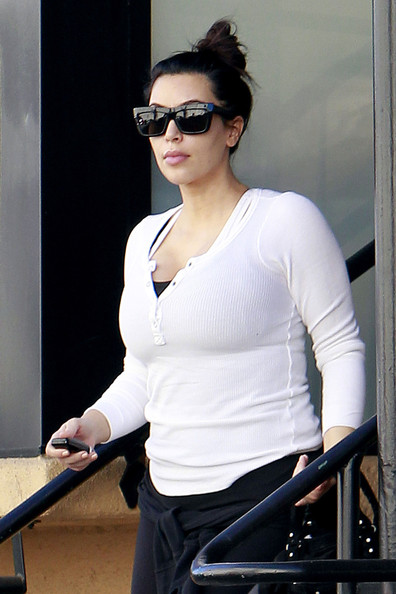Pregnant Kim Kardashian leaves the gym after a Valentine's Day workout. (February 14, 2013)