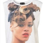 rihanna-sue-topshop-t-shirt-philip-green-lawsuit-we-found-love