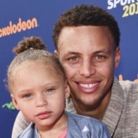 Trolls Trying to Insult Steph Curry's 3-Year-Old Daughter Mistakenly Tweet Grown Man (See His Response)