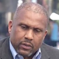 Tavis Smiley: Prince 'Locked Himself in his Bedroom for Days' After Michael Jackson Died (Watch)