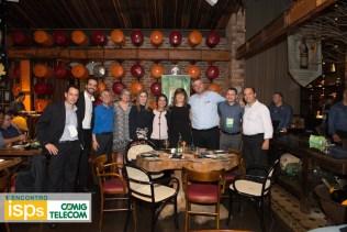 A equipe da CEMIGTelecom com Lia Ribeiro, ao lado de Nelson Fujimoto.