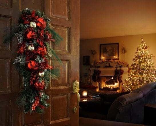 Seasonal-Christmas-Family-Room