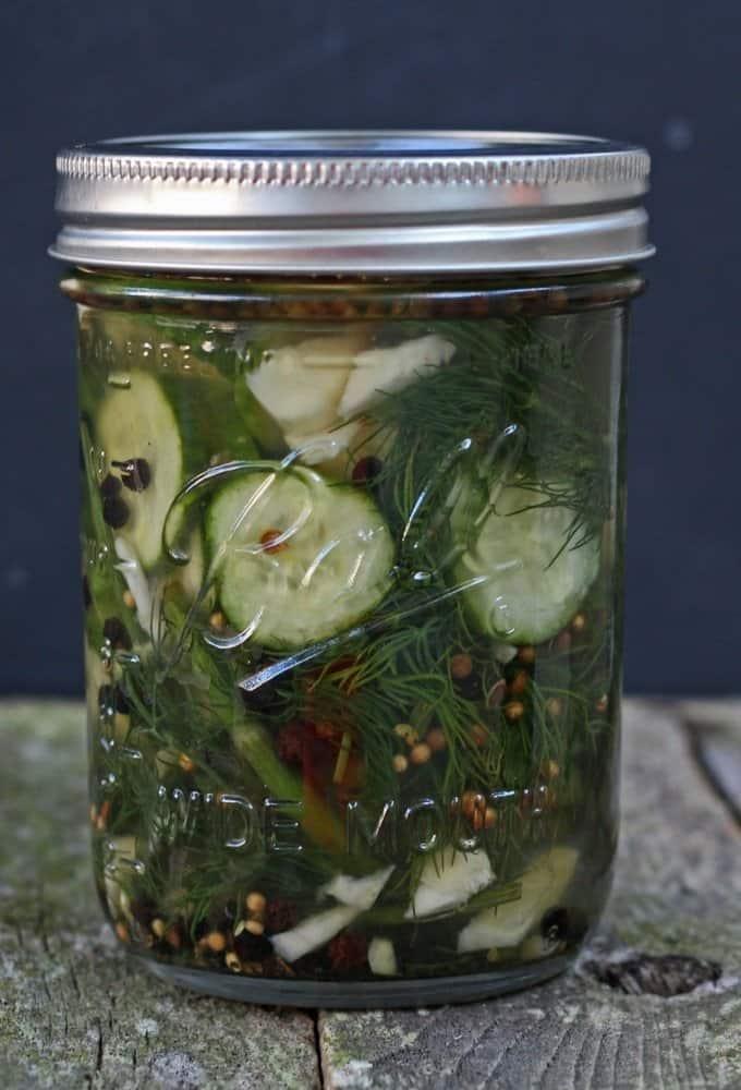 quick &Easy homemade refrigerator pickles